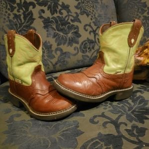 Kids Justin boots size 12.5